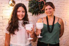 Maria Clara e Renata Farias
