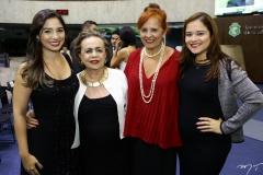 Jamila Araújo, Eliane Pimentel, com Fátima e Vivian Duarte
