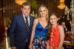 Claudio Albuquerque e Roseane e Sofia Dias
