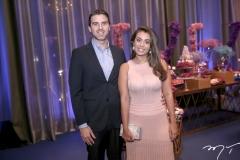 Renan Arrais e Dandara Mota