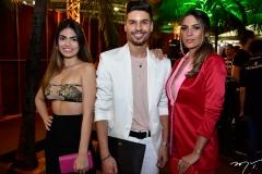 Natasha Democretes, Junior Melo e Claudia Almeida