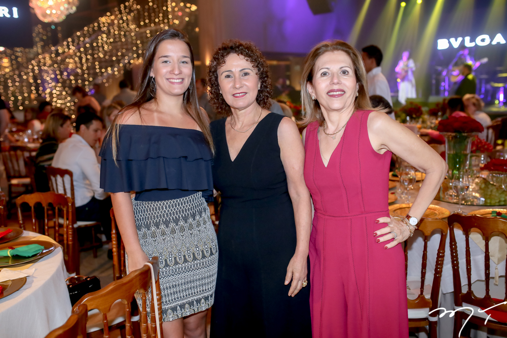 Lícia e Luiza Serpa e Gláucia Castelo Branco