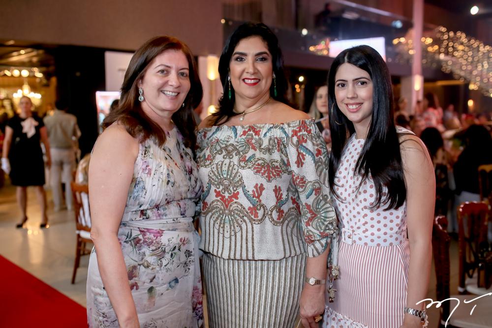 Lourdes Aragão, Izabeli Leitão e Lorena Aragão