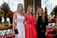 Alice Colares,Talynie Mihaliuc e Selene Rolim