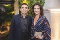 Coronel Paula Neto e Débora Duarte