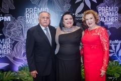 João Carlos Paes Mendonça, Valéria Vitoriano e Auxiliadora Paes Mendonça (1)