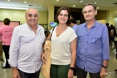 João e Emanoela Nogueira e Omar de Sá