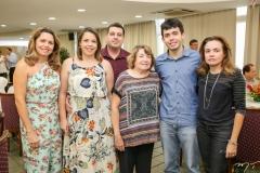Patricia e Lia Ponte, Marcelo Murinele, Sidonia Barbosa, Leonardo Ponte e Isabel Pereira