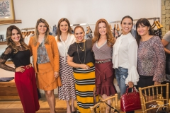 Eveline Fujita, Michelinne Pinheiro, Priscila Amaral, Cláudia Alexandre, Cláudia Quental, Neuza Rocha e Denise Pinheiro