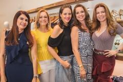Lorena Pouchain, Sarah Philomeno, Romina Frota, Márcia Andréa e Cláudia Quental