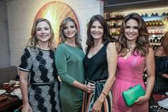Suyane Dias Branco, Michelle Aragão, Liliana Farias e Eveline Fujita