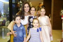 Bernardo, Marcela e Letícia Forte, Maria Júlia e Manuela Araújo