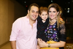 Bruno, Athina e Rebeca Bastos