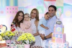 Rafaella, Bianca, Luca e Tiago Asfor, com Tereza Ximenes