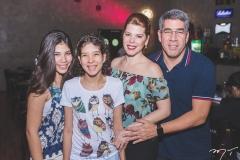 Lara, Manuela, Marciany e Cid Holanda