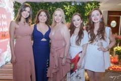 Bia e Cláudia Gradvohl, Sandra, Mariah e Larissa Fujita