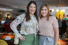 Elisa Oliveira e Cristiane Faria
