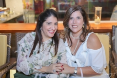 Elisa Oliveira e e Nara Amaral