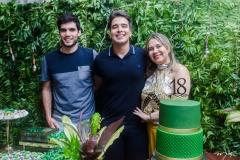 Alexandre, Davi Teixeira e Geovana Paula Pessoa