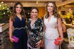 Eveline Fujita, Adriana Queiroz e Roberta Nogueira