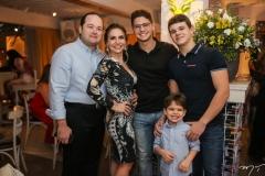 Otávio, Adriana, Otávio, Edson e Constantino Queiroz