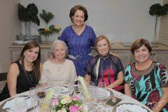 Cláudia, Mariléia e Bárbara Freire, Ângela Freire e Analice Castro Lima