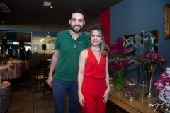 Victor Oliveira E Carla Nogueira