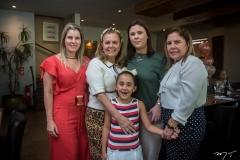 Adriana, Lucília e Letícia Loureiro, Rafaela e Virginia Morais