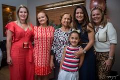 Adriana, Márcia, Conceição, Letícia, Claudiana e Lucília Loureiro