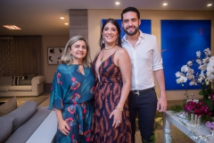 Jane Aguiar, Elisa E Victor Oliveira