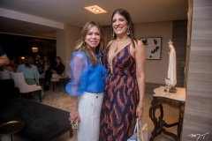 Sakie Brookes E Elisa Oliveira
