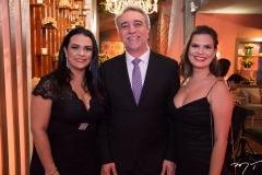 Mariana Barra, Mauro Costa e Erika Mavignier