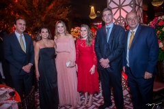 Camilo Santana, Márcia Travessoni, Onélia Santana, Águeda Muniz, Geraldo Luciano e Fernando Travessoni