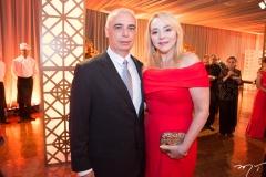 Rogério e Sandra Fujita