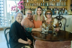 Thais, Nora e Roberta Cavalcante e Luiziane Cavalcante