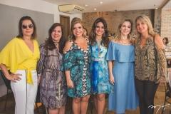 Cláudia Gradvohl, Martinha Assunção, Silvinha Carneiro, Eveline Fujita, Suyane Dias Branco e Lavínia Dubanhevitz