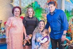 Gloria Barbosa, Sandra Monteiro, Kamila Monteiro, Ian Victor e Adriano barbosa