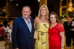 Ernani, Monique Barreira e Edith Bringel
