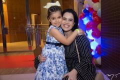 Laura E Lissa Pontes