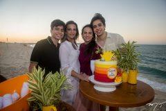 Alexandre, Michelle Aragão, Bianca Aragão e Álvaro Rolim