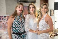 Alessandra e Michelle Aragão, com Camila Arraes