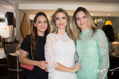 Bianca e Michelle Aragão, com Carol Pereira