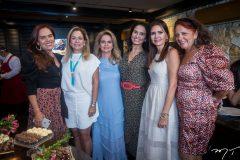 Aniversário surpresa de Lorena Pouchain e Neuza Rocha
