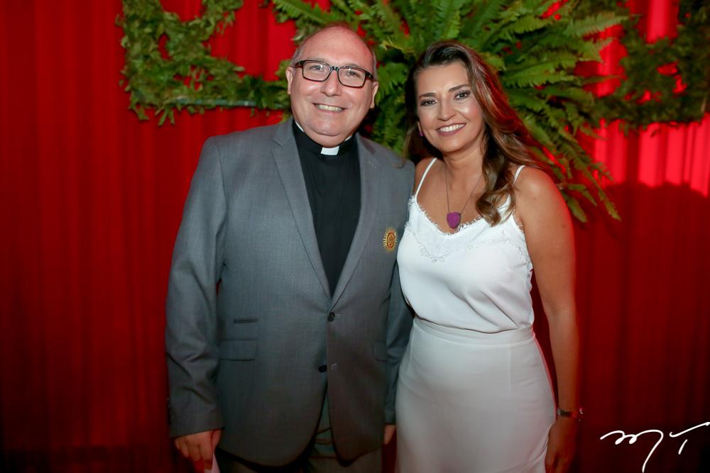 Padre Eugênio e Márcia Travessoni