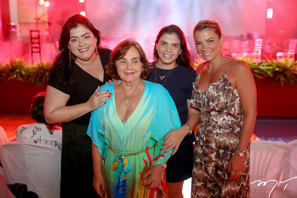 Vivi, Miriam, Virgínia e Vanessa Almada
