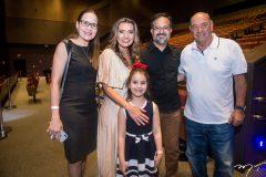Manoela Crisóstomo, Márcia Travessoni, Mariana e Márcio Crisóstomo e Fernando Travessoni