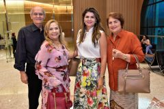 Tito e Betty Sampaio, Michelinne e Beatriz Pinheiro
