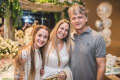 Caroline, Patrícia e Davi Ferran