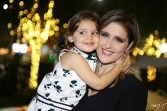 Athina e Rebeca Leal Bastos