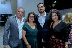 Cláudio e Helena Silveira, João e Maria Julia Gifon